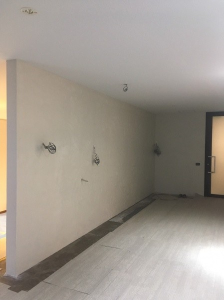 下地作成中の壁