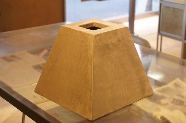 モールテックスを使った四角推の形状のランプシェード