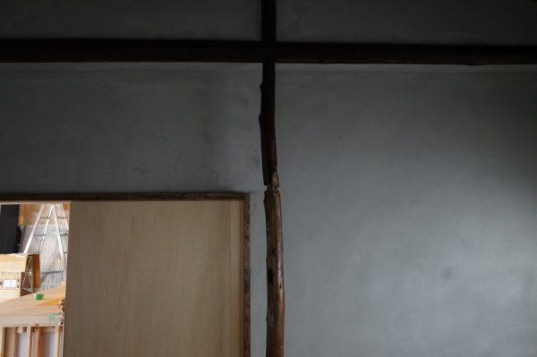 施工前の現場内部。この壁をムラのある壁に仕上げます