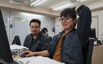 写真:原田左官における打ち合せの様子