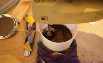 ミダスメタル 青銅攪拌作業