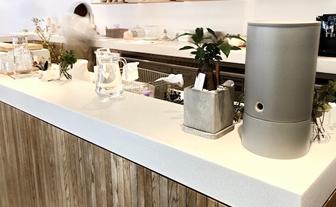 飲食店キッチンカウンターへの施工例(中野組施工)