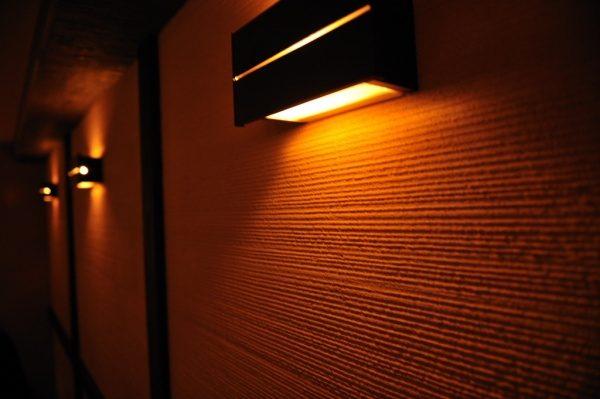 内壁部分。均一ではないくしびきが暖かさをより一層際立たせます