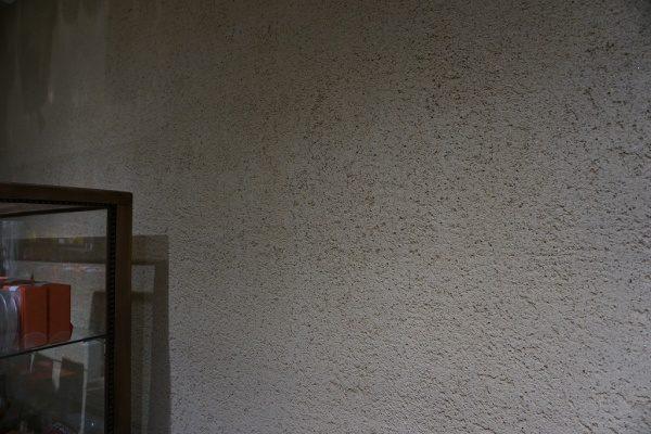 お客様のご要望だったお店の壁でも長持ちする土壁の表現として完成できました