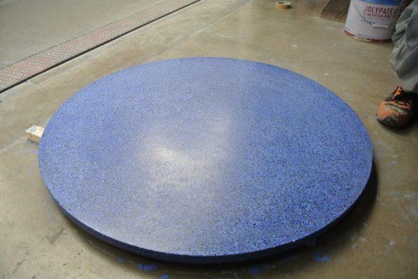 テーブル天板ビールストーン青の粗め研ぎ出し後