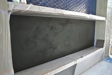 ミダスメタル Midas Metall 壁面にミダスメタル青銅ラスティック塗り終わり