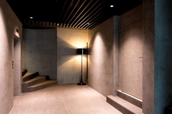 モールテックスを施工したマンションのエントランス画像1