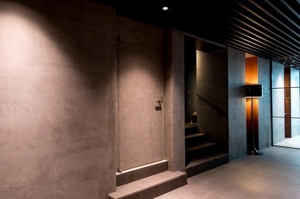 モールテックスを施工したマンションのエントランス画像3