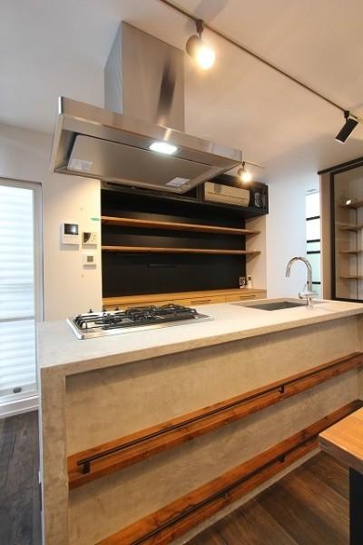 モールテックスのキッチンガス台側アングル天板と立ち上がりアップ