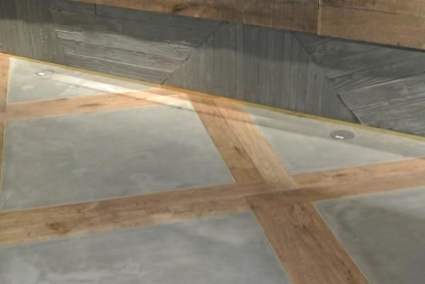 グレーのポリーブルを施工した床と巾木部分はうづくりモルタル施工