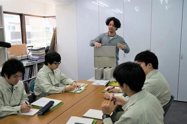 元請けさんの新入社員への研修、座学
