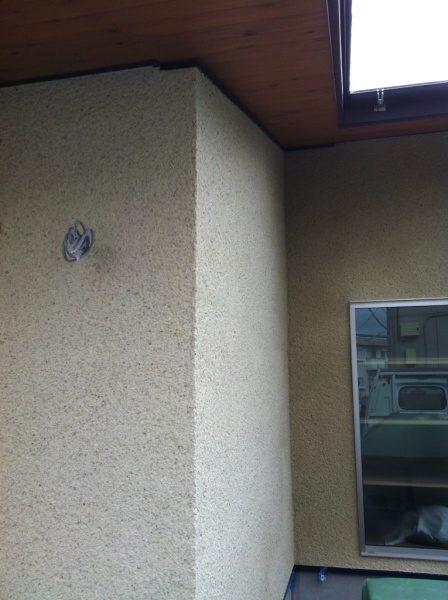 住宅外壁のかき落とし仕上げ