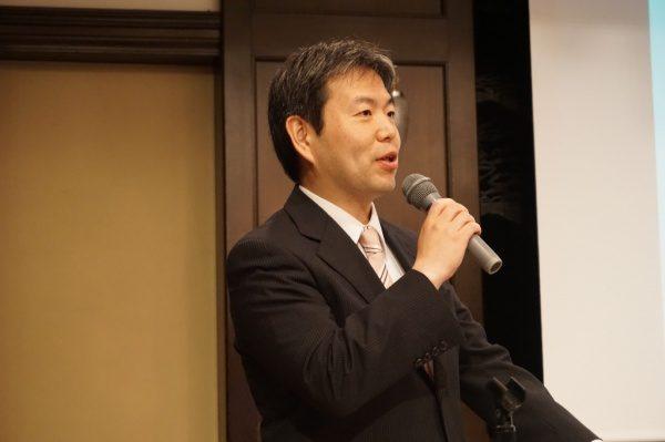 代表の原田、静岡せいしんビジネスクラブで講演中の様子