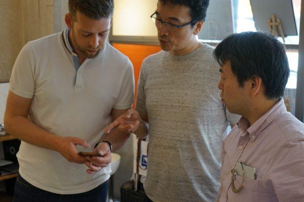 BEAL社のディレクター様、BEAL日本の代理店の方、代表の原田、新しい仕上げ方法等について教えていただきました