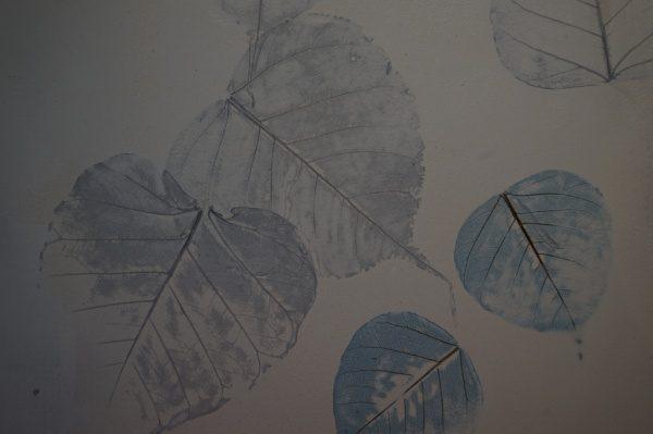 オルトレマテリア、特殊コーティングした葉っぱを埋め込んだサンプル