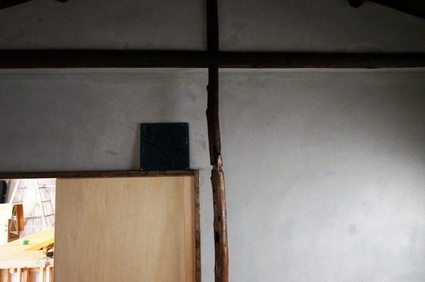 施工前の現場内部。黒が少し強い印象があった