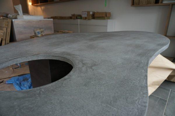 モールテックス楕円テーブル完成