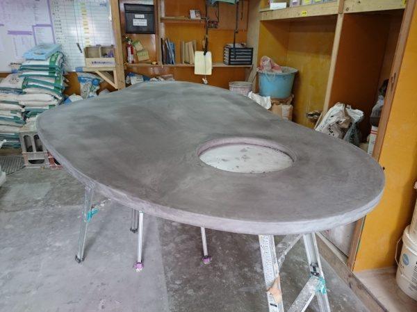 施工前の楕円テーブル