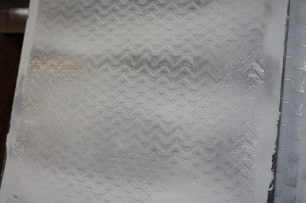 波模様のデザインメッシュ入りの白いポリーブル仕上げ