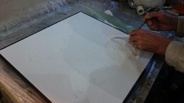 材料が柔らかいうちにシートを剥がせば完成です