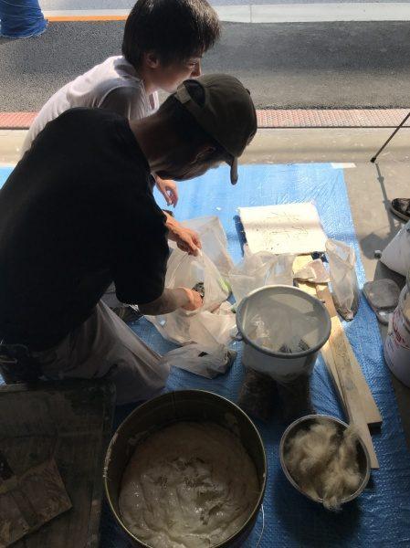 漆喰レリーフ作り