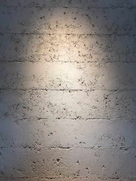 琉球石灰岩 塗り版築仕上げ