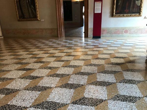 イタリアの床テラゾ仕上げ