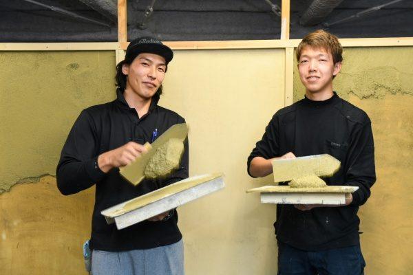 左:師匠の張山さん 右:1年目の宮川君