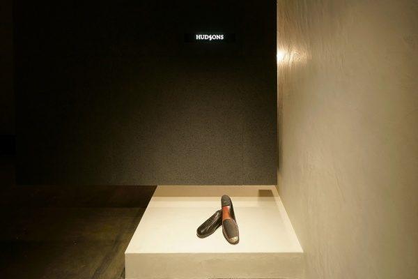 モールテックス 靴の修理店で施工