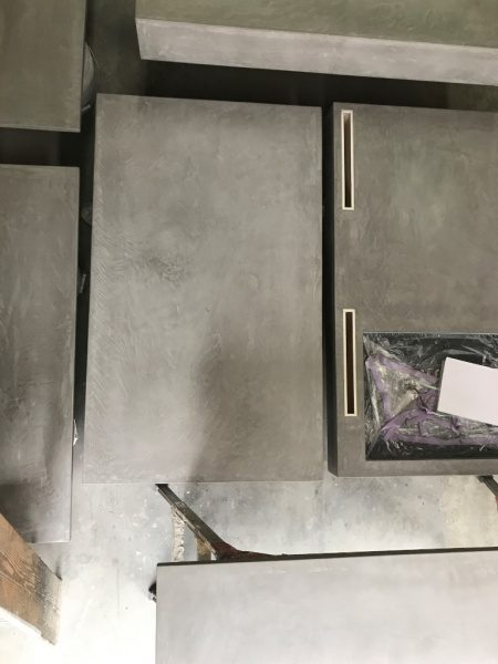 モールテックスグレー 天板・木工下地に施工
