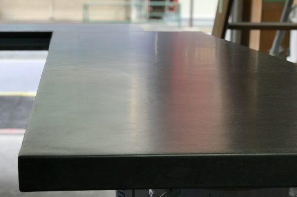 モールテックス テーブル天板を施工