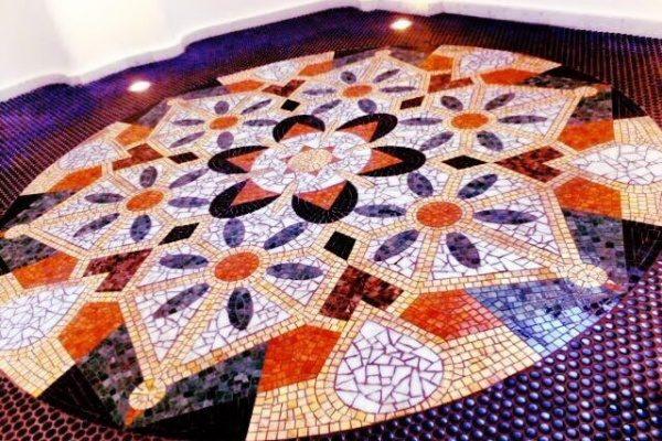 モザイクタイル 床 デザイン張り