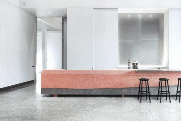 塗り版築カウンターテーブル