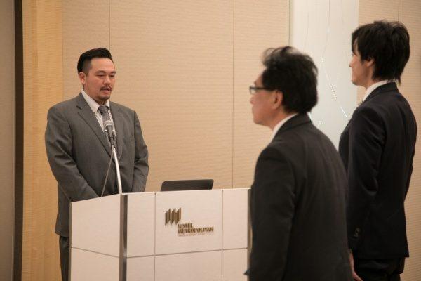 開会宣言をする岩本さん