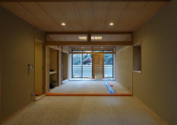 珪藻土アレンジフラット仕上げの室内壁。施工完了した状態。正面からのアングル
