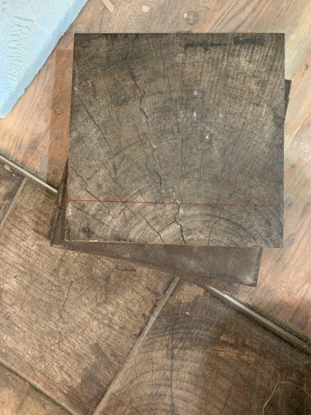 ウッドブロック柄の床タイル