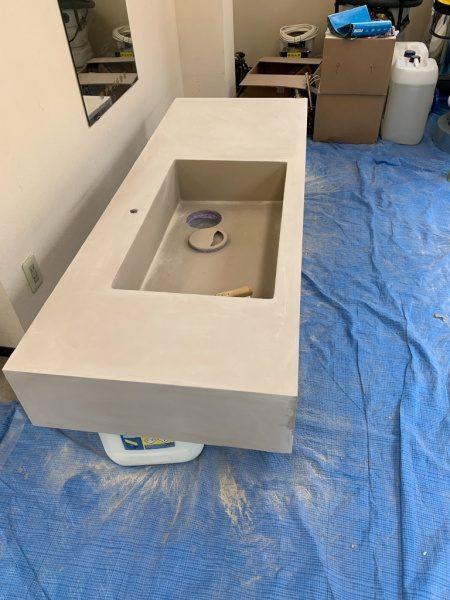 エコマルタフィーネ塗り工程後に研磨をしたキッチンシンク