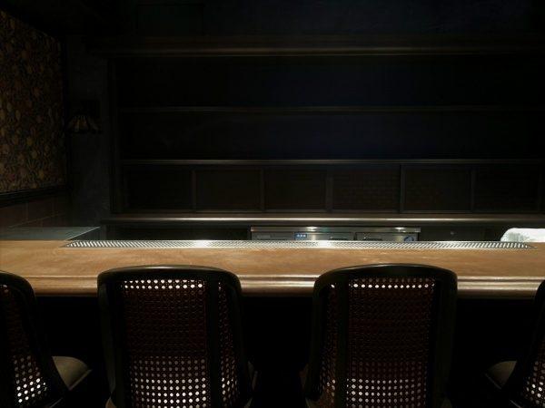 銀座三弘社ビル1Fスターバーのオルトレマテリア仕上げカウンター
