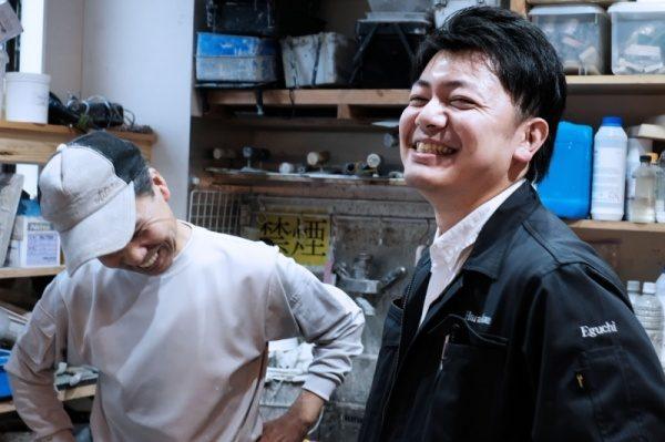 原田左官工事管理の江口さんと左官職人中島さん