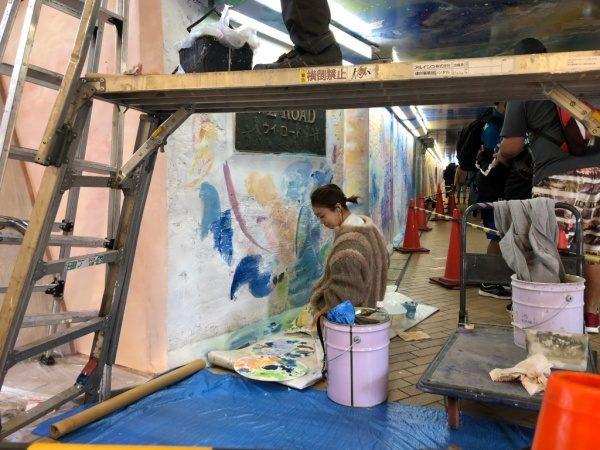 池袋ウイロード再生事業植田志保先生による壁面模様塗装