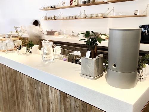 オルトレマテリアのカフェカウンター。中野組施工