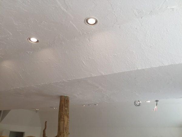 秋葉原マザーハウスe.。原田左官漆喰施工。漆喰を塗った天井