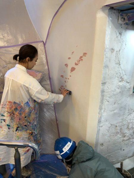 ウイロード再生事業。ウイロード西口。植田先生色漆喰塗り