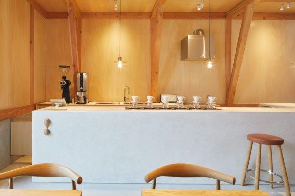 セメント研ぎ出しのカフェカウンター