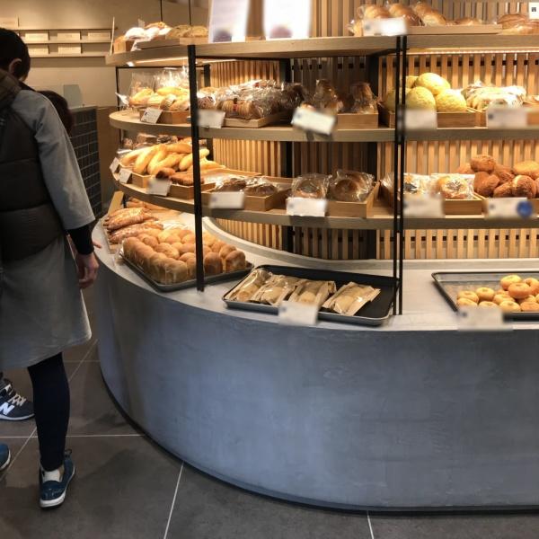 モールテックス - パン屋さんのディスプレイ台・テーブルに施工