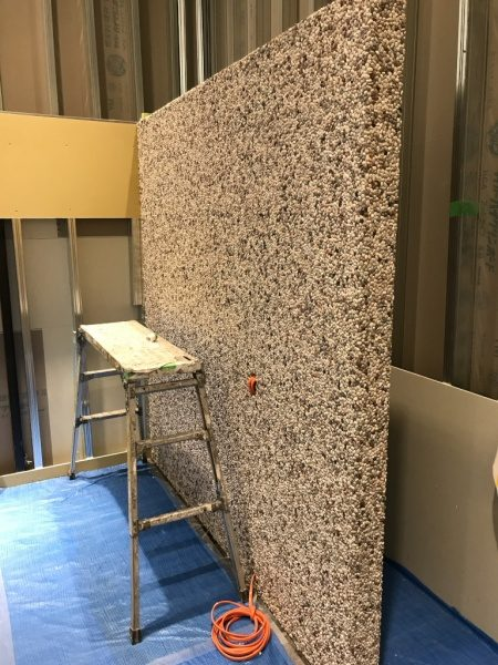 台湾洗い出しシートの壁。張り付け完了