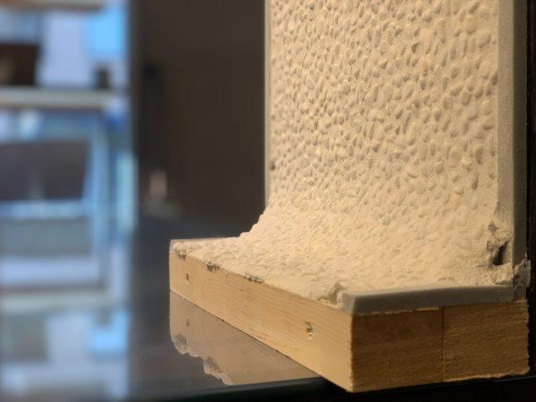 白色の洗い出しネットストーン、壁・床をRで繋げた場合のモックアップ品