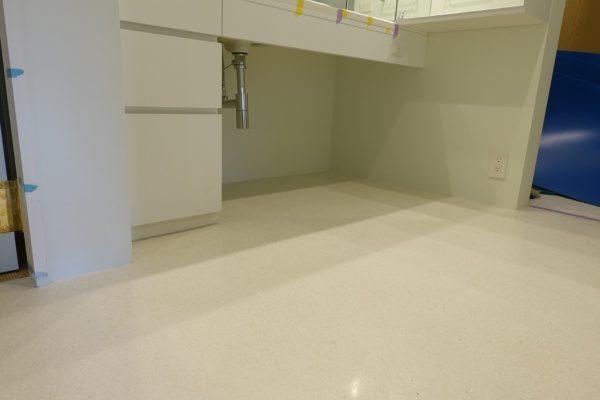 マンション室内床のビールストーン施工、最終研磨後の仕上がった状態