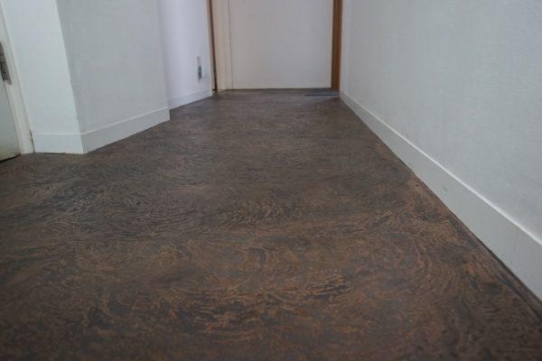 オルトレマテリアの床エコピエトラコッチョペースト仕上げ。原田左官ビル3F床に施工