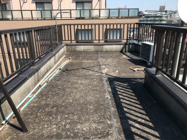 施工前の既存の状態の屋上